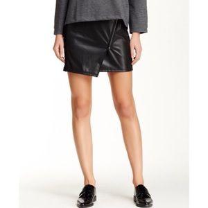 Nordstrom Valette black faux leather skirt